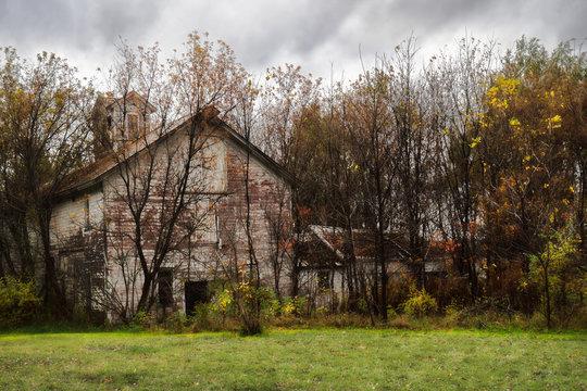 Old, abandoned barn