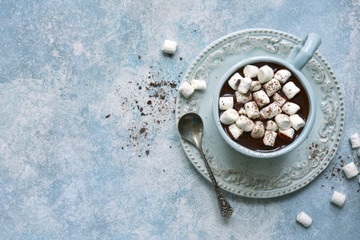 Foto auf Leinwand Schokolade Homemade hot chocolate with mini marshmallow .Top view with copy space.