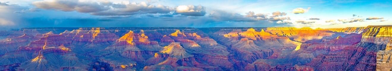 panorama of grand canyon at south rim