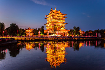 Photo sur Toile Con. Antique Taierzhuang is located in Zaozhuang in Shandong, is the largest water town in China. Historically, it was an important hub along the Grand Canal, China.