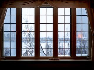 Fototapeta grande fenêtre en hiver obraz