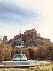 Fotobehang Fontaine Fountain in Edinburgh, Scotland