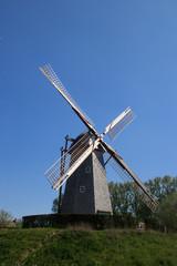 Fotorolgordijn Molens old windmill in holland