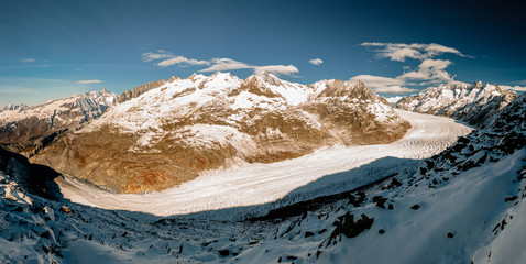 Panoramic view of Aletsch glacier in Valais / Panoramaaufnahme des Aletschgletschers im Schweizer Wallis