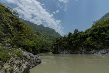 Tuinposter Rivier river in the mountains
