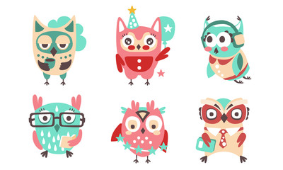 Wall Mural - Set of cartoon stylish owls. Vector illustration.