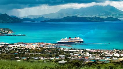 Wall Mural - Cruise ship at port near islands
