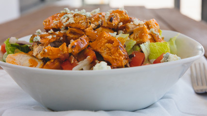 Tuinposter Buffel Buffalo Chicken Salad