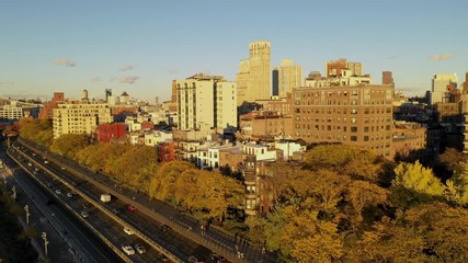 Fotomurales - Aerial view over Brooklyn New York and Manhattan in the background