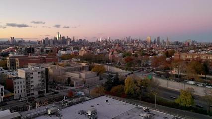 Fotomurales - Aerial view Urban Sprawl Brooklyn New York Dense City Architecture