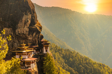 Canvas Prints Honey Sunset at Tiger's nest Temple or Taktsang Palphug Monastery (Bhutan)