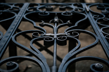 metal gate,construction of metal gate,putting a patina on the metal gate