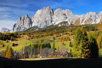 Alpine autumn landscape of Cristallo and Pomagagnon Group, Dolomites, Italy Fotoväggar