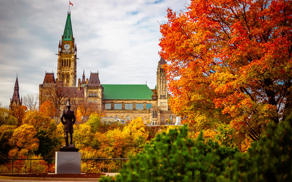 Public statue facing Parliament Hill in the Fall in Ottawa, Ontario