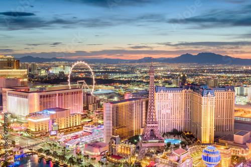 Fototapete Las Vegas, Nevada, USA skyline over the strip