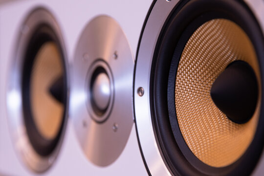 High end speakers for audiophile listeners