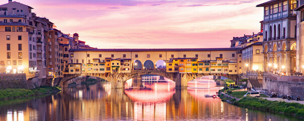 Autocollant pour porte Florence ponte Vecchio on river Arno at night, Florence, Italy