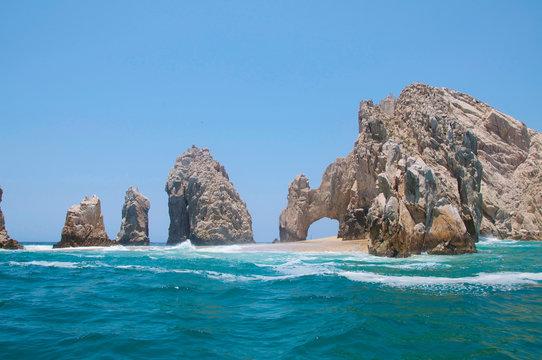 El Arco de Cabo San Lucas in low tide.