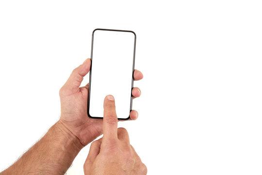 Męskie dłonie trzymają smartfon, telefon na białym tle