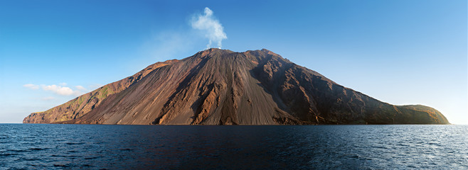 The stromboli vulcano erupting on the