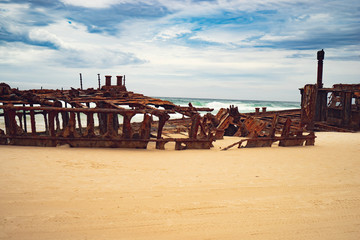 Fotorollo Schiffbruch S.S. Maheno ship wreck on Fraser Island Australia