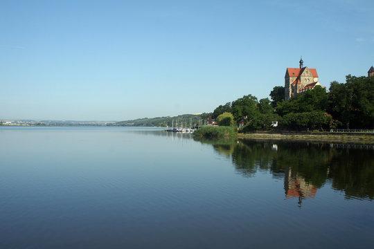 Schloss Seeburg im mansfelder Land von der Seeseite aus aufgenommen