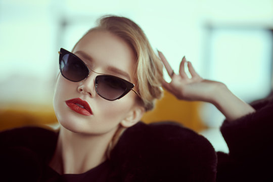 luxurious glasses style