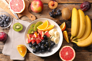 fresh fruit salad with banan,grape,grapefruit ,orange and blueberry Fototapete