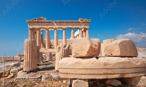 Fototapete Parthenon temple on a bright day with blue sky. Classical ancient Greek civilization landmark, famous place, panorama travel background.Panoramic image taken in Acropolis hill in Athens, Greece.