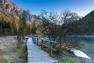 Morgenlicht am Antholzer See, Südtirol, im Herbst