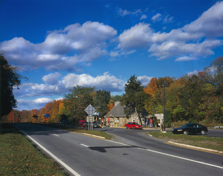 Taconic State Parkway, Shenandoah Service Station, the highway represents an important development in the evolution of American transportation planning