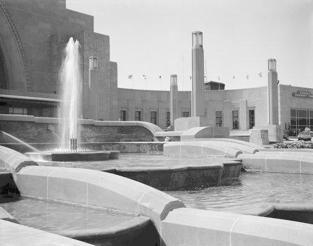 Cincinnati Union Terminal, detail of fountain, constructed in 1933, partially demolished in 1974, Cincinnati, Ohio, photograph circa early 1970s