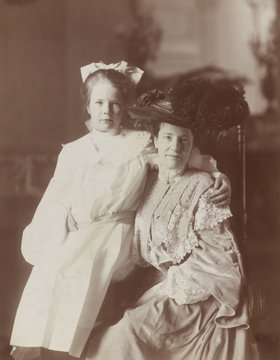 First Lady Edith Carow Roosevelt, with her daughter Ethel, c. 1904. As an adult, Ethel preserved