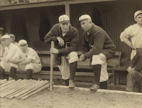 Grover Cleveland Alexander and Manager Pat Moran, in 1915