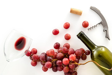 Wine taste and red wine grapes, close-up