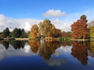 Europe, UK, England, London, Kew Gardens Palm House autumn lake