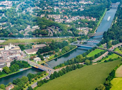 Flug über Duisburg-Meiderich, Rhein-Herne-Kanal