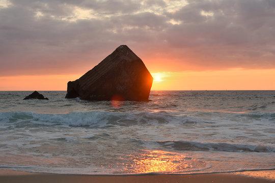 capbreton (40) : plage oceane et ses blockhaus au coucher du soleil