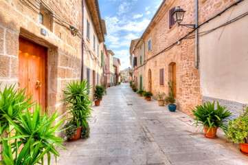 Narrow streets of Alcudia old town, Mallorca, Spain