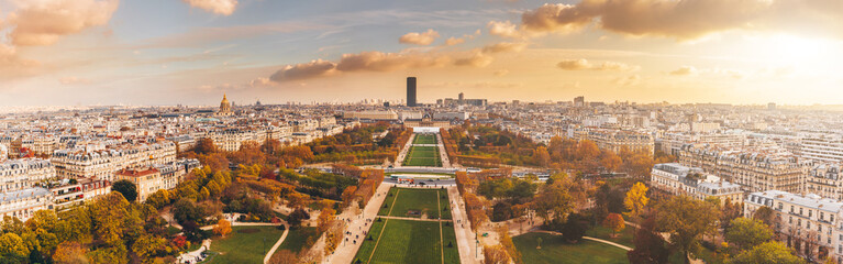 Foto auf Gartenposter Paris Aerial panorama of Paris City in late autumn from Eiffel Tower at sunset.