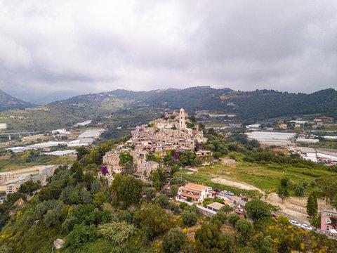 Vista aerea dell'Antico borgo medievale di Seborga, Liguria, Italia