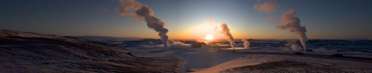 Photo sur Aluminium Bleu nuit Iceland Myvatn Lake Extra Wide panorama evening Sunrise or Sunset with volcano geyser