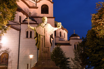 Wall Mural - statue to St. Sava in front of St. Sava Temple in Belgrade, Serbian while sunset - prince, monk, prior, writer, diplomat and first archbishop of autocephalous Serbian Orthodox Church