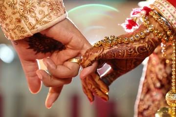 bride hand couple