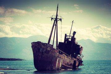 Tuinposter Schip The famous shipwreck near Gythio Greece