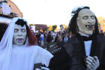 dia de los muertos halloween costume people