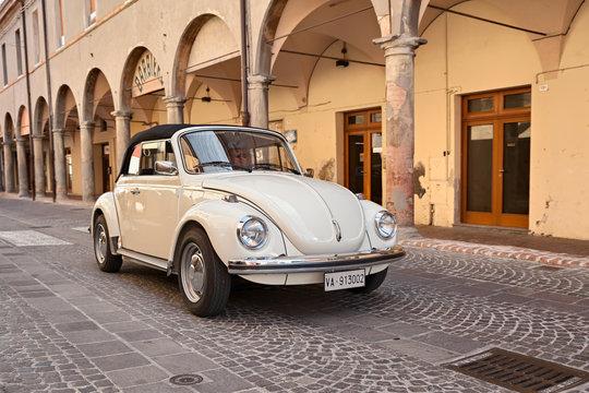 vintage car Type 1 (Beetle)