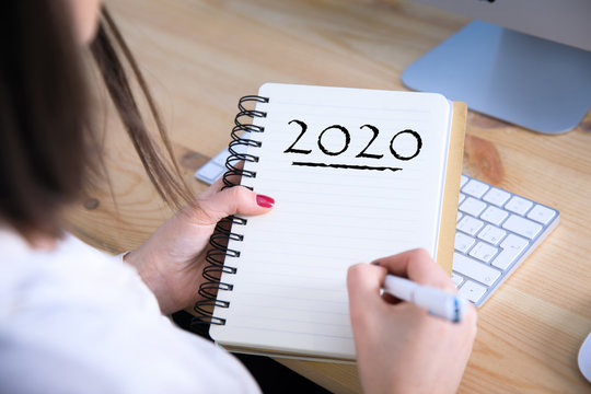 woman hand 2020 text