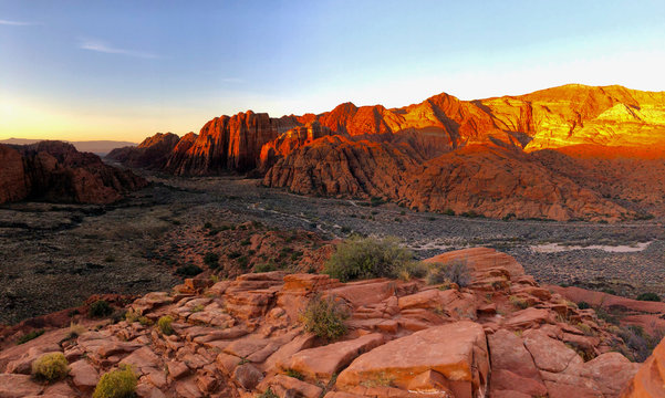 Sunrise Snow Canyon State Park overlook, Utah, USA
