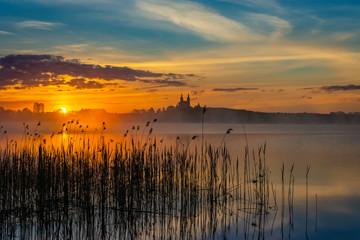 Poster Zalm Beautiful sunrise at Lake Wigry